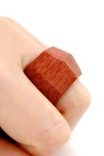 049-finger-w