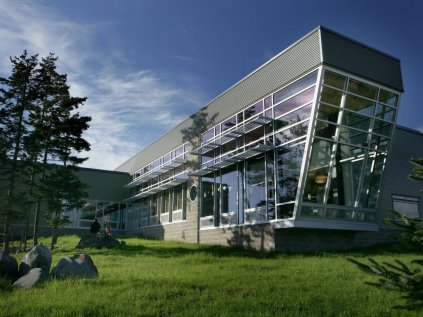 alaska-the-homer-public-library-won-the-2007-honor-award-aia-alaska-chapter-for-its-modern-design-and-use-of-local-materials