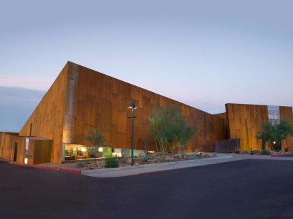 arizona-the-arabian-library-in-scottsdale-won-the-2009-aiaala-library-building-award-for-its-soft-sloping-lines-and-beautiful-wood-construction