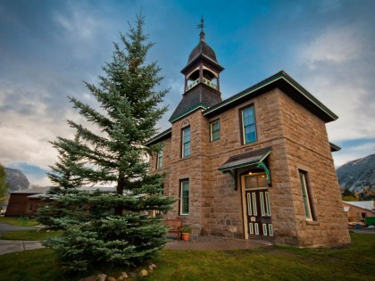 colorado-made-of-sandstone-the-crested-butte-historical-library-was-built-in-1883-and-was-originally-used-as-a-two-room-schoolhouse