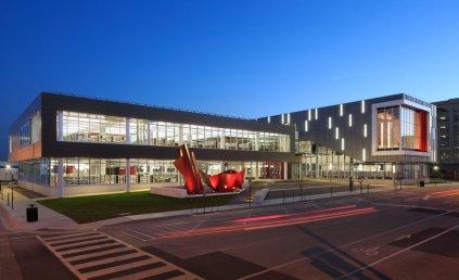 iowa-the-cedar-rapids-public-library-was-a-recipient-of-the-2015-aiaala-library-building-award-for-its-futuristic-exterior-design