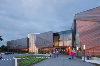 kentucky-the-louisville-free-public-library-won-an-honor-award-as-part-of-the-aias-2016-kentucky-design-awards-for-its-overlapping-wooden-facade