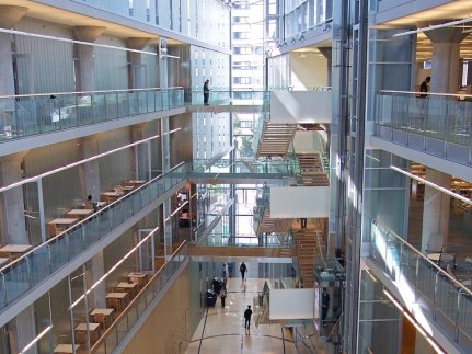 minnesota-the-minneapolis-central-library-won-the-2009-aiaala-library-building-award-it-contains-no-interior-load-bearing-walls-making-for-a-stunning-layout