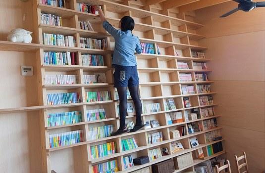 earthquake-proof-bookshelf-architect-shinsuke-fujii-1-1