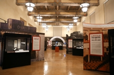 central-library-getty-gallery-shakespeare-exhibit