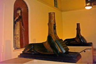 central-library-triumph-civilization-sphinxes