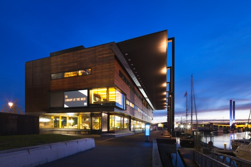 library-at-the-dock-archdaily