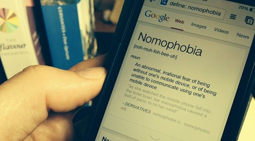 nomophobia-2018-in-kelimesi-secildi