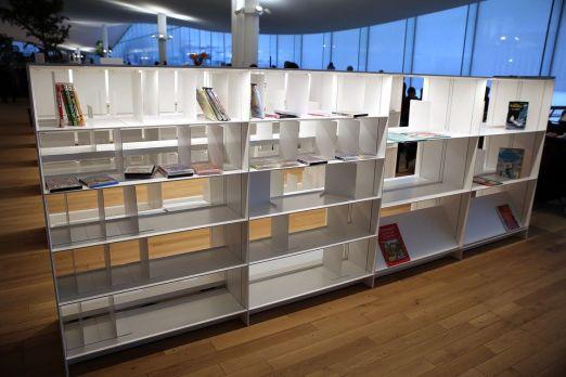 oodi kirjasto kirjahylly
