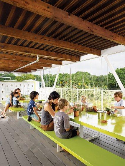 casis-elementary-school-teaching-garden