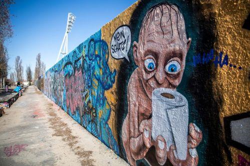 gollum_graffiti_in_berlin