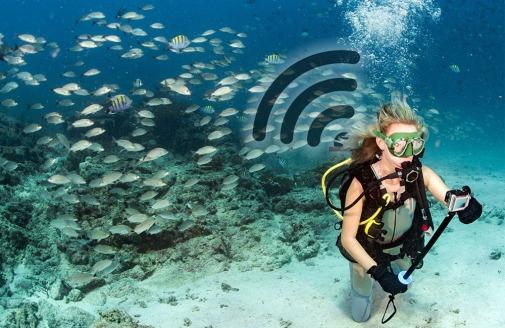 underwater_wifi_selfie_title (1)